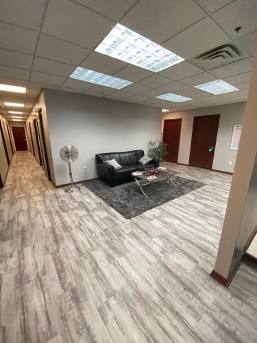 Massage-Lounge Reception